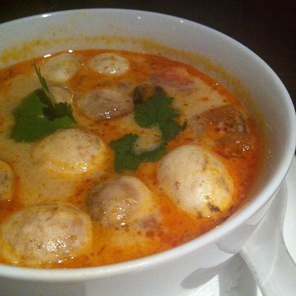 Tom Yum Soup @ Osha Thai