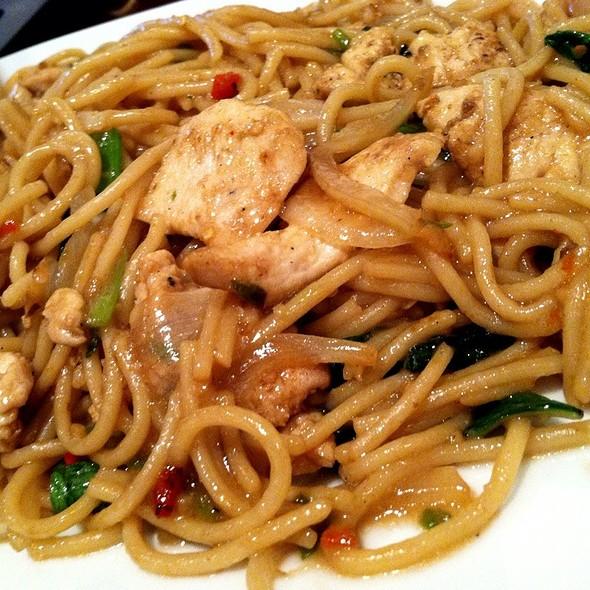 Drunken Spaghetti  @ ELEPHANT JUMPS Thai Restaurant