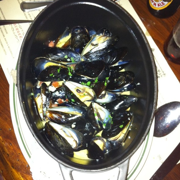 Steamed Mussels - Miramar, Highwood, IL