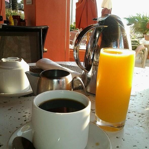 Juice & Coffee - Latitudes Restaurant & Bar, Hollywood, FL