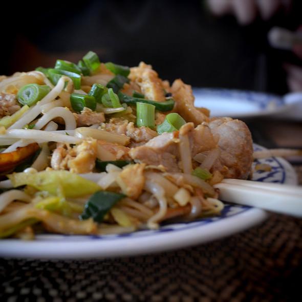 Kipfilet Pad Thai @ Bird Thais Restaurant