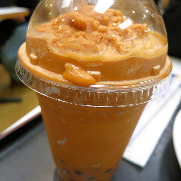 Thai Tea Latte with Tapioca @ Jockey Express