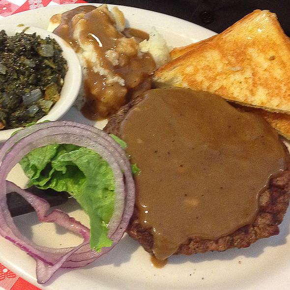 Hamburger Steak @ Able's Diner Schertz, TX