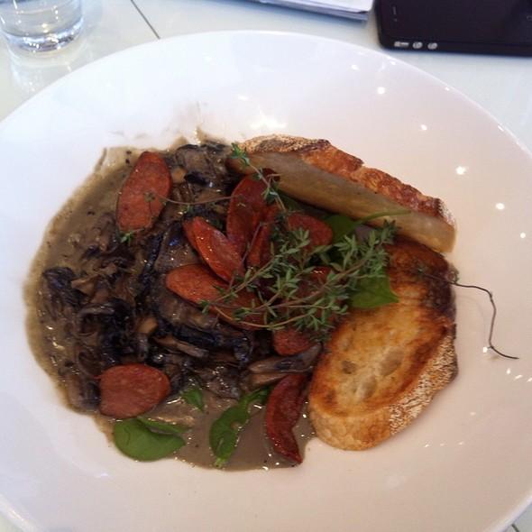 Mushrooms w/ Chorizo @ Catroux