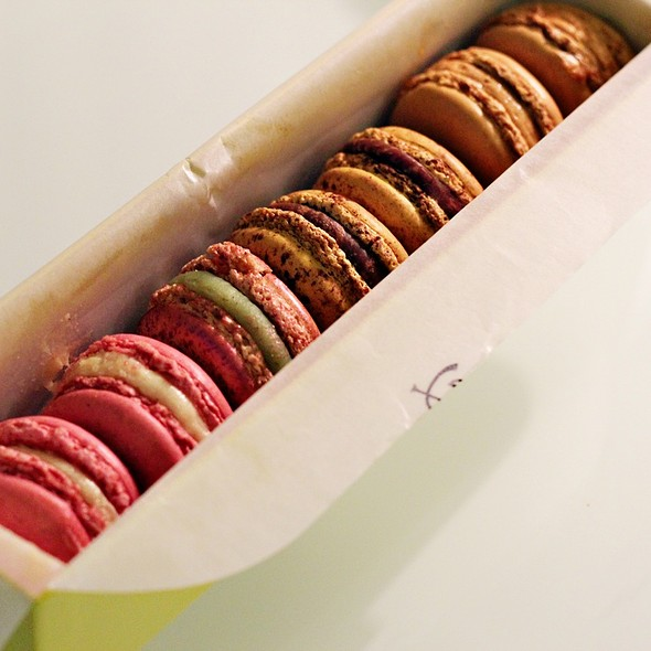 Macarons @ Pierre Hermé Paris