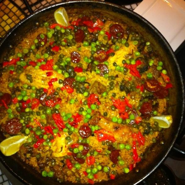 Paella Valenciana @ Mi Tomatina Restaurant