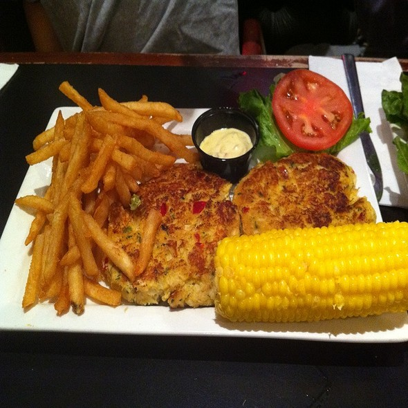 Maryland Crab Cake Dinner @ Parkway Delicatessen & Rstrnt