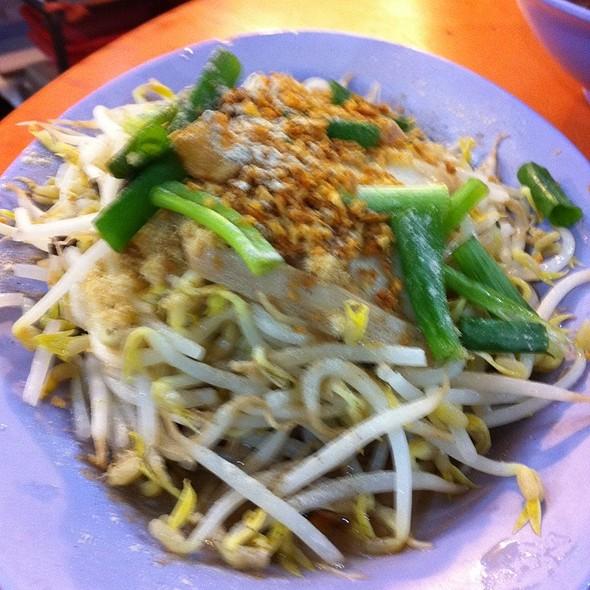 Taugeh @ Delicious Boneless Chicken Rice (Stall #3)