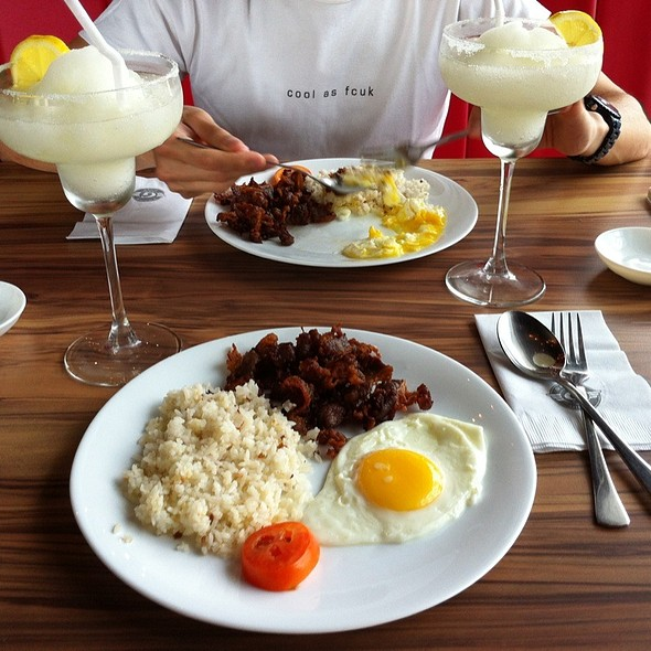 Grams World Famous Beef Tapa @ Grams Diner