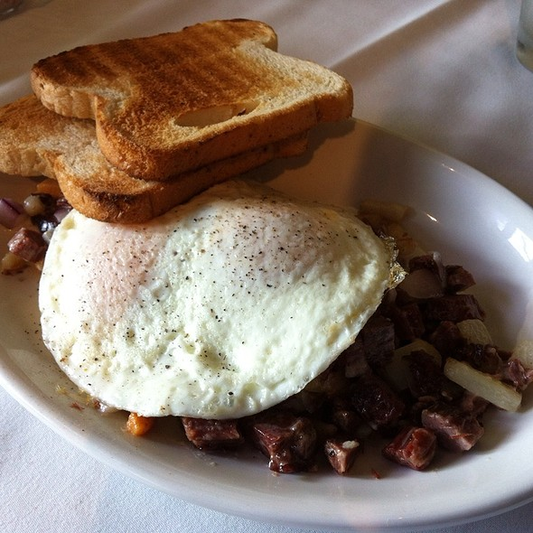 Corned Beef Hash @ North End Cafe