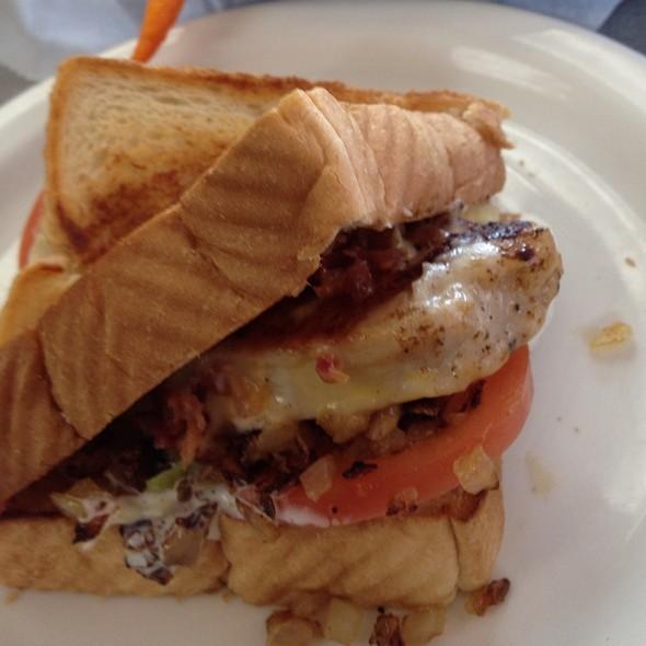 Ranch Chicken Sandwich @ Ron's Hamburgers & Chili