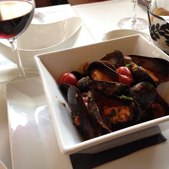 Mussels - Gennaro's 5 North Square, Boston, MA
