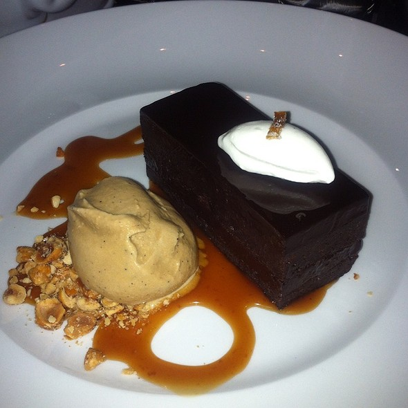 flourless chocolate cake @ The Burritt Room