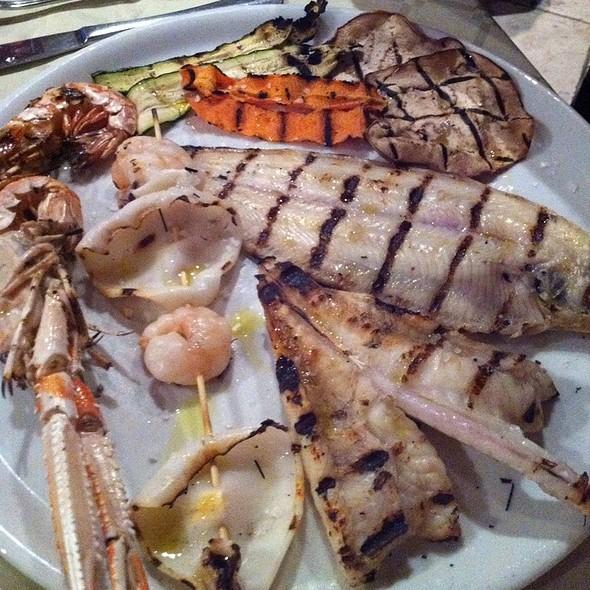 Grigliata Mista Di Pesce @ Raphael Beach Ristorante Pizzeria