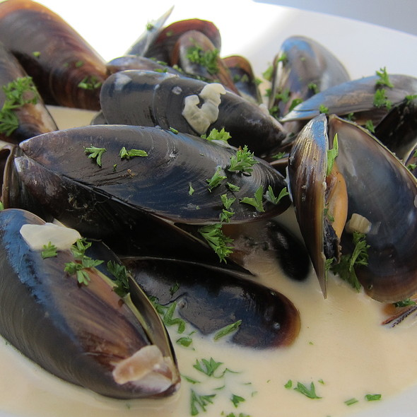 Saldanha Bay Mussels with Beer Sauce @ The Mussel Bar