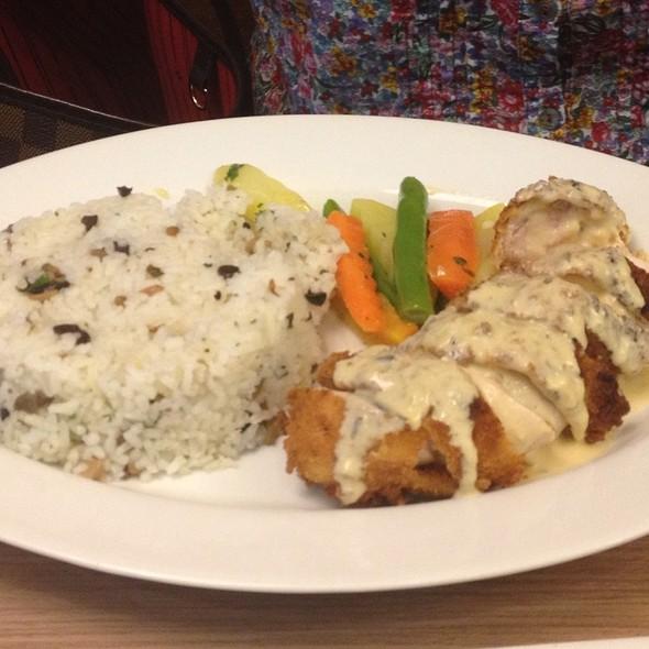 The Don's Chicken Cordon Bleu @ Gotti's Ristorante