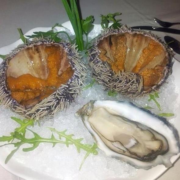 Fresh Seafood Platter @ Island Seafood & Oyster Bar