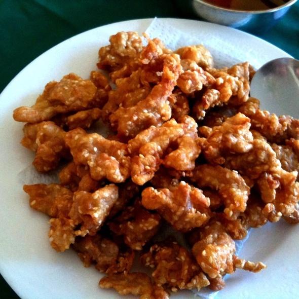 Pollo empanizado con ajonjolí y salsa Agridulce en Lai Lai
