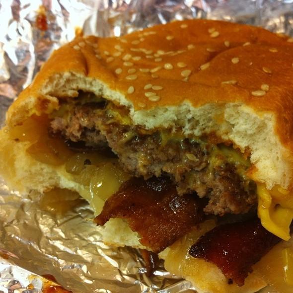 Bacon Cheese Burger @ Five guys
