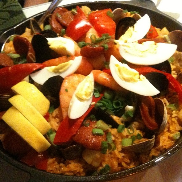 Paella Valenciana At Patio Filipino