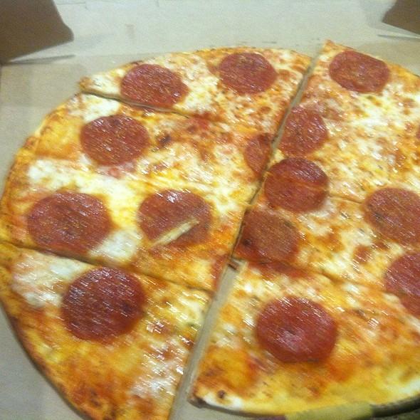 Pepperoni Flatbread @ Uno Due Go (Dallas Airport)