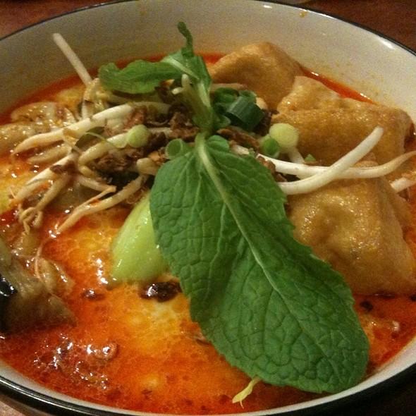 Vegetarian Curry Laksa @ Malaymas