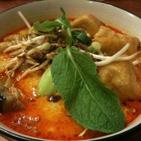 Vegetarian Curry Laksa @ Malaymas