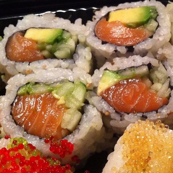 Alaska Roll @ ABI Sushi