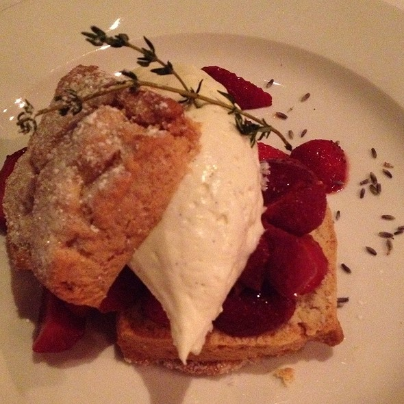 strawberry shortcake @ Restaurant Orsay