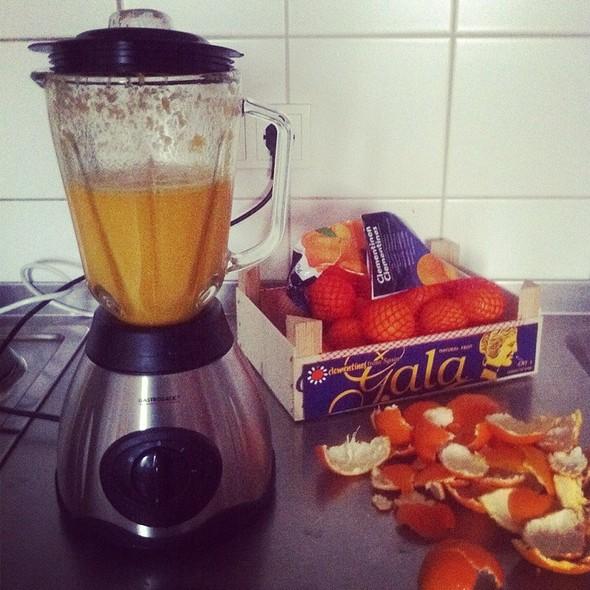 Fresh Squeezed Orange Juice @ Biedersteiner Wohnheim