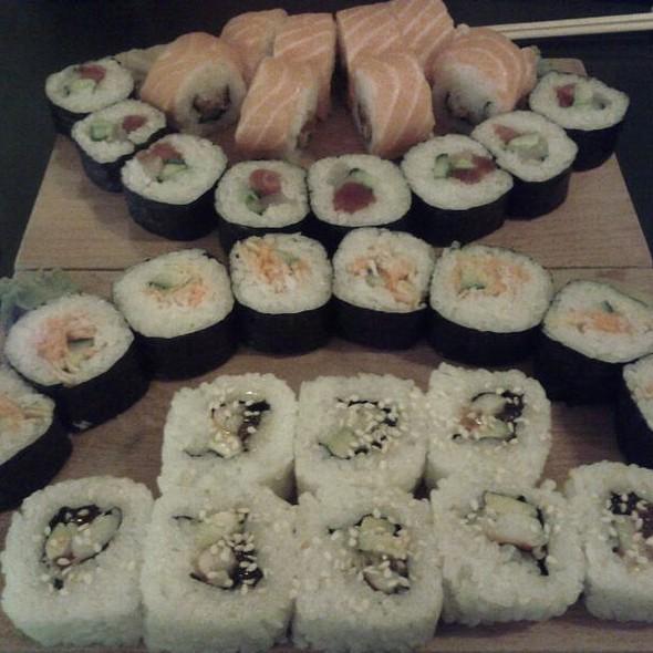 Sushi @ The Sushi Bar