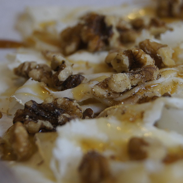 Caciotta cheese with honey and walnuts