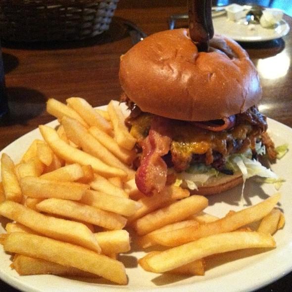 Moo & Oink Burger @ Gabby's Kitchen