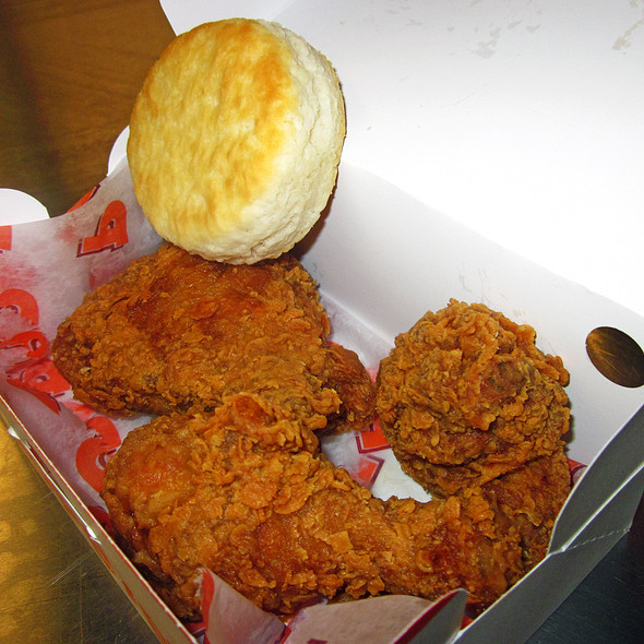 fried chicken @ Popeye's