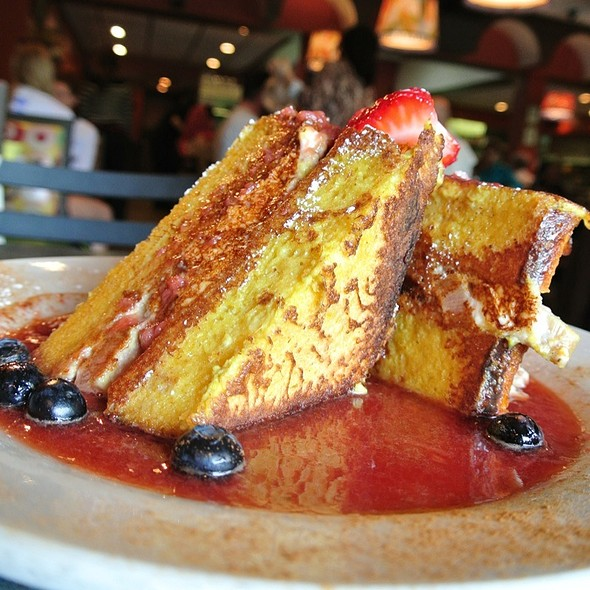Chester Copperfield Rich Stuff French Toast  @ Sabrina's Cafe