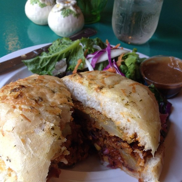 Minorcan Datil- Bbq Tempeh Sandwich W/ Fried Green Tomato @ The Floridian