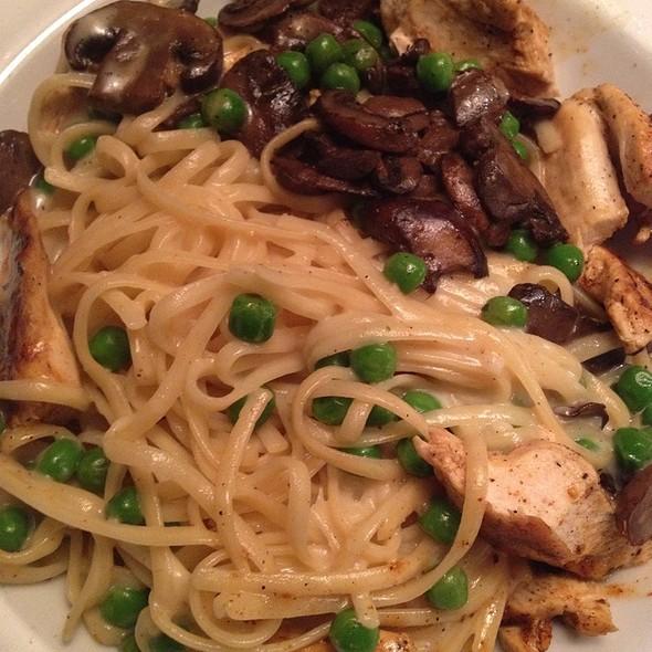 Chicken Mushroom Alfredo @ Ruby Tuesday