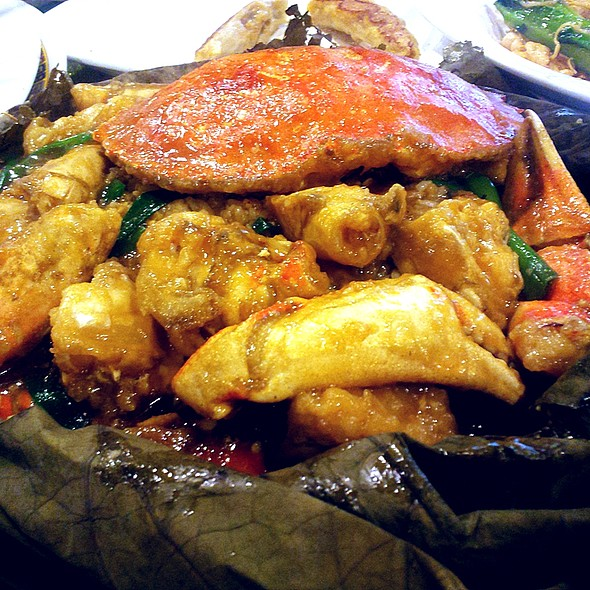 Dungeness Crab with Rice in Lotus Leaf @ Fu Fu Restaurant