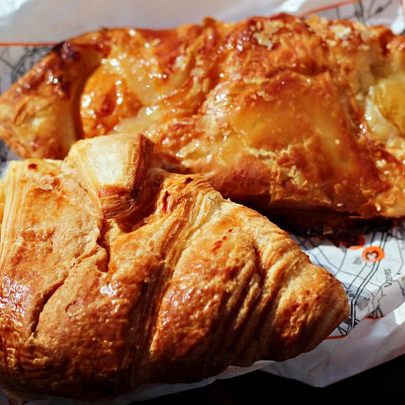 Croissant @ Paris