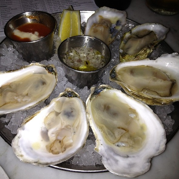 Oysters @ Neptune Oyster