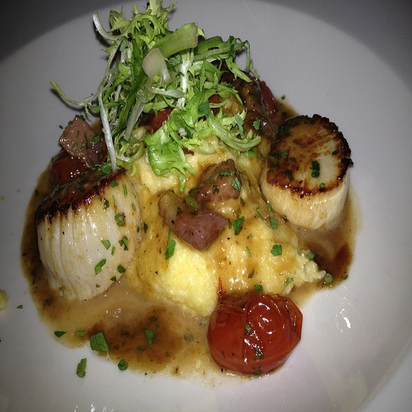 Seared Scallops @ Neighborhood Services Tavern