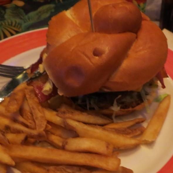 Bbq Bacon Cheeseburger Rainforest Cafe