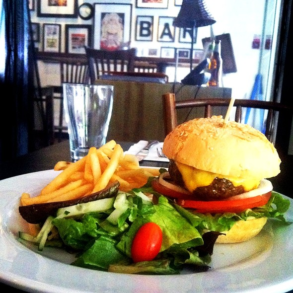 Beef Cheese Burger @ Porterhouse Restaurant & Bar