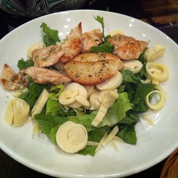 Chicken Ceaser Salad @ CAPRESE RISTORANTE (Mirador Del alto)