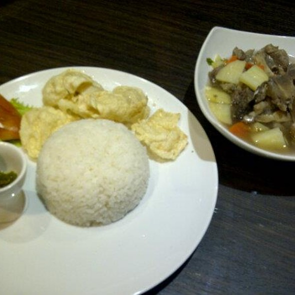 Oxtail Soup (Soup Buntut) @ Summer Garden Cafe