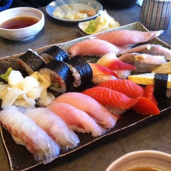 Assorted Sushi @ Sushi Bar Zipang
