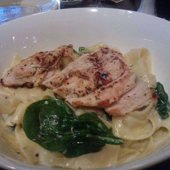 Chicken papardelle pasta @ Rimrock Bar