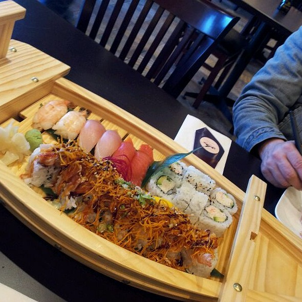 Sushi Boat For Two @ Mega Sushi