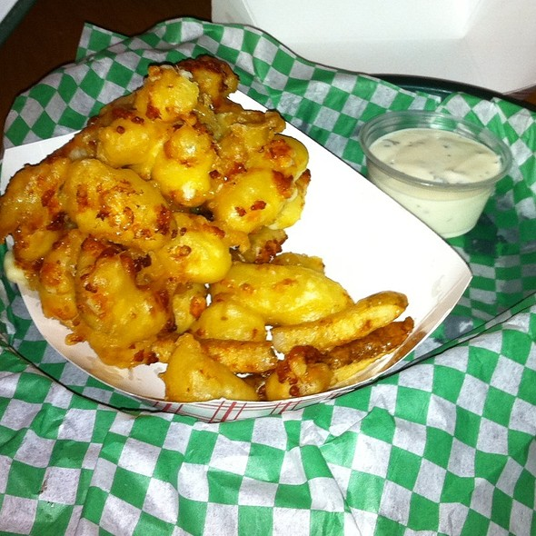 Deep Fried Cheese Curds @ Nook