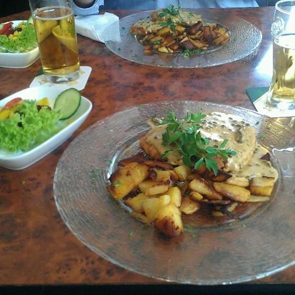 Schnitzel Mit Pfefferrahmsauce @ Kockelkorn